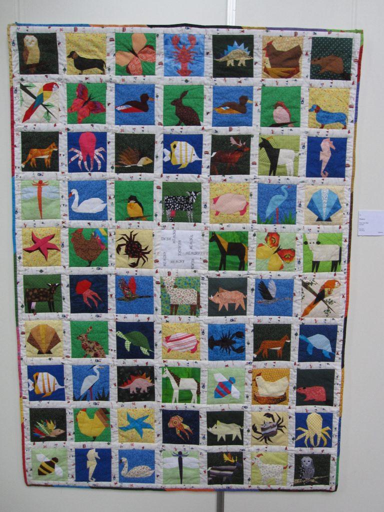 leuk idee, memorie-quilt door Erna. Kunt u ze allemaal vinden?