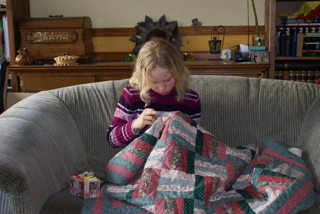 Nanda quilt haar eigen quilt door.
